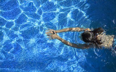 Czym jest skimmer basenowy?